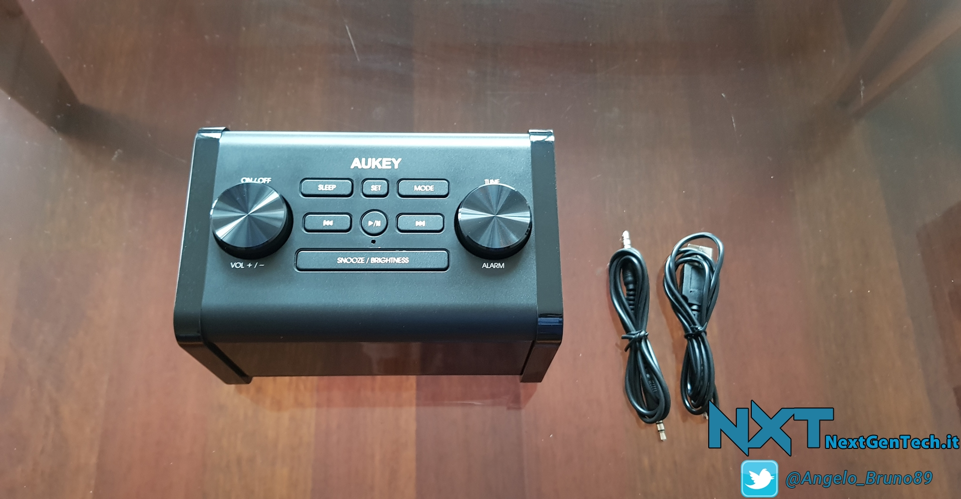 Aukey Clock Radio Wireless Speaker (4)