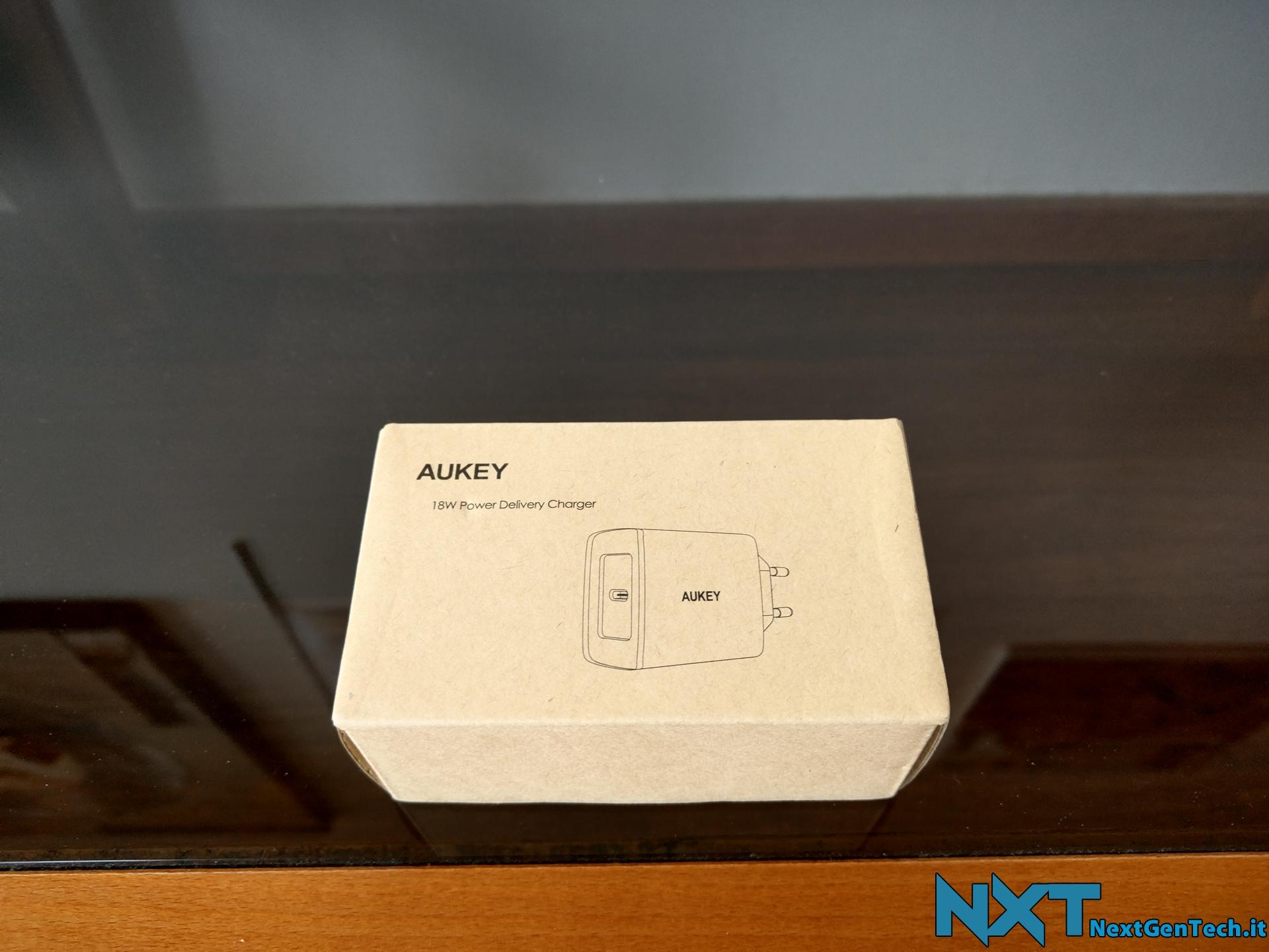 Aukey Caricabatterie da muro USB-C (1)