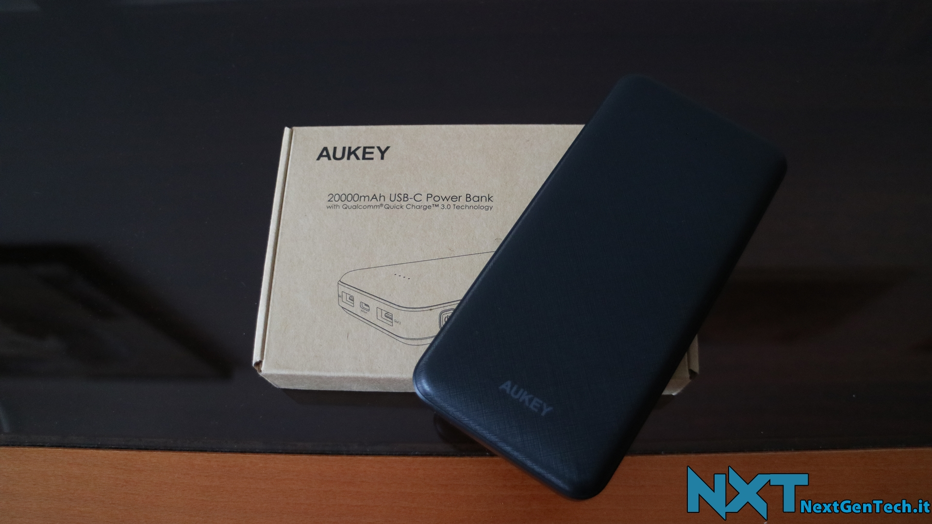 Aukey Powerbank 20000 USB C (1)